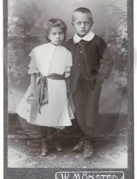 Gruppenfoto mit Wilhelm und Luise Heim
